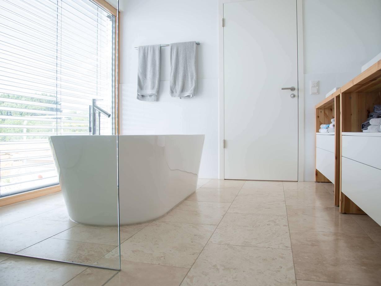 Im Badezimmer Fliesen als Hingucker   jonastone