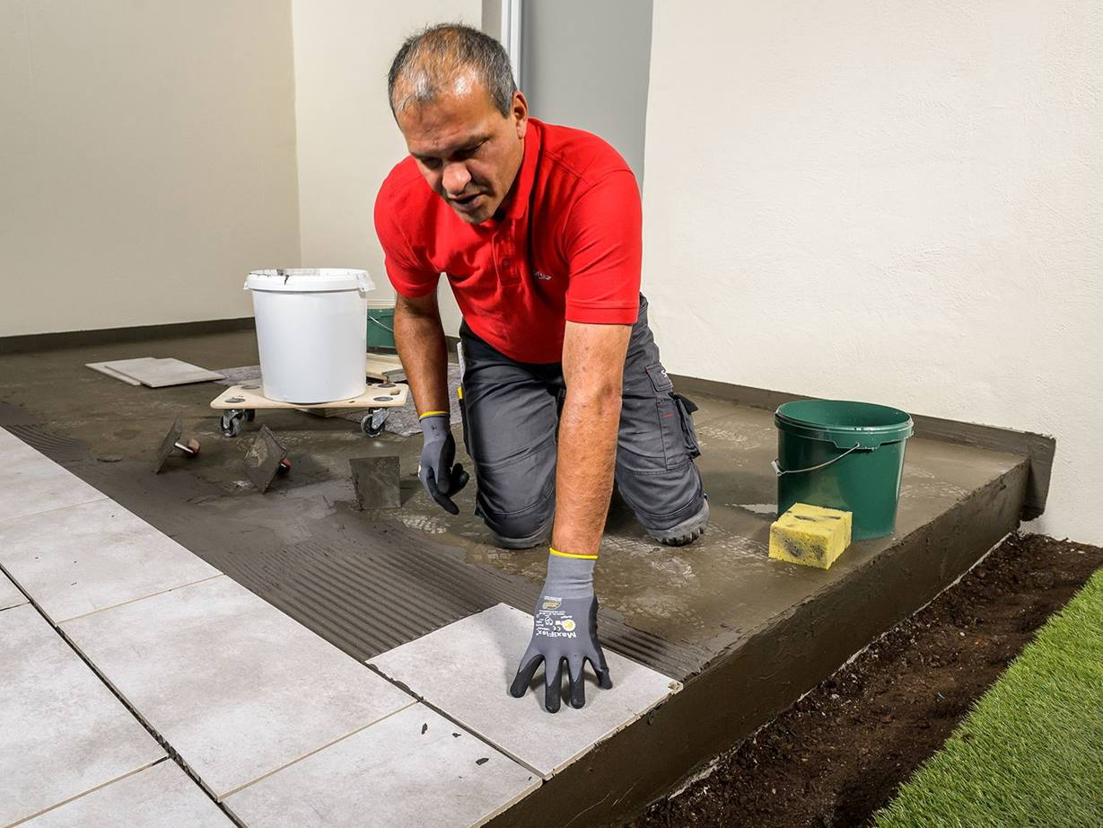 Terrassenplatten aus Feinsteinzeug verlegen   jonastone
