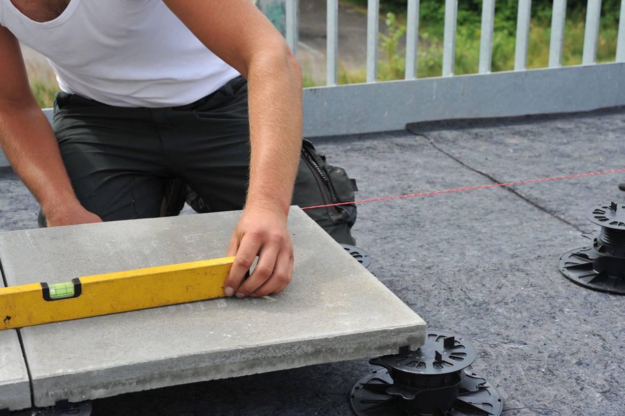 Stelzverlegung bei Terrassenplatten   jonastone